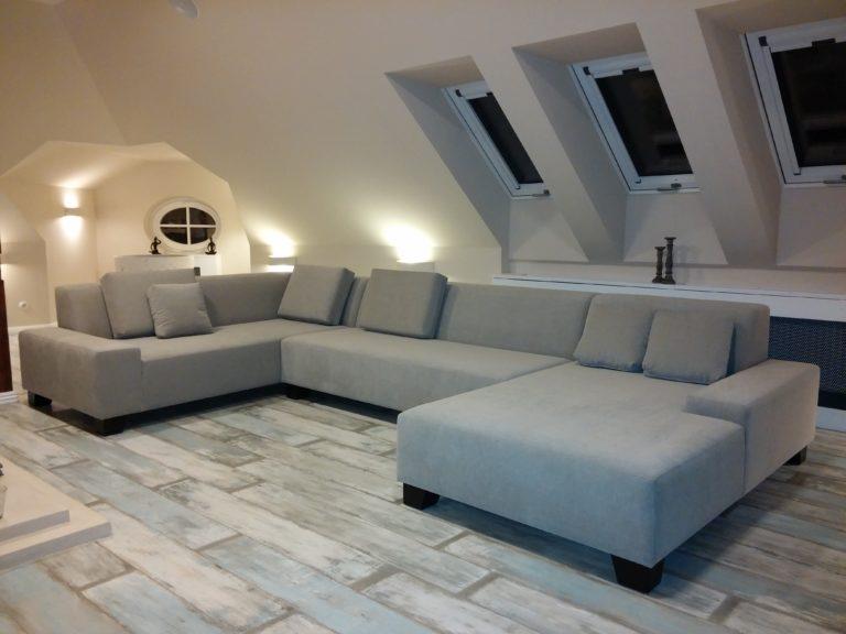 Interiérový design podkrovního pokoje ukázka z druhé strany.